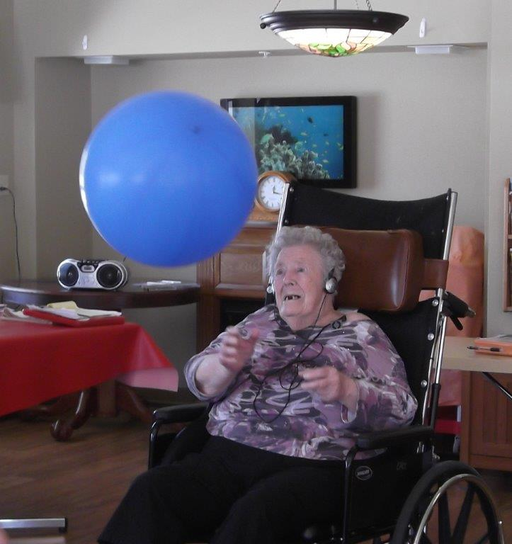 Image of a participant in the Music and Memory program.