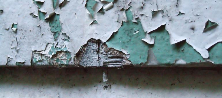 Flaking lead paint