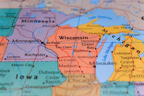 Wisconsin and surrounding states and Great Lakes map image